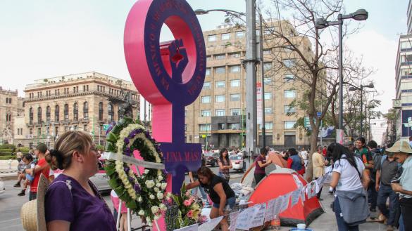 Terremoto-feminista-manifestación-alerta-de-género