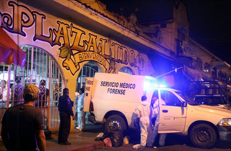 Balacera en Plaza Lido de Cuernavaca; dos comerciantes son asesinados
