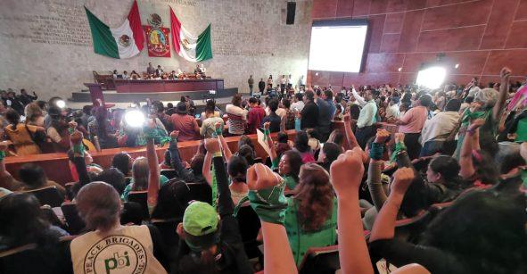 Congreso de Oaxaca aprueba en lo general despenalización del aborto