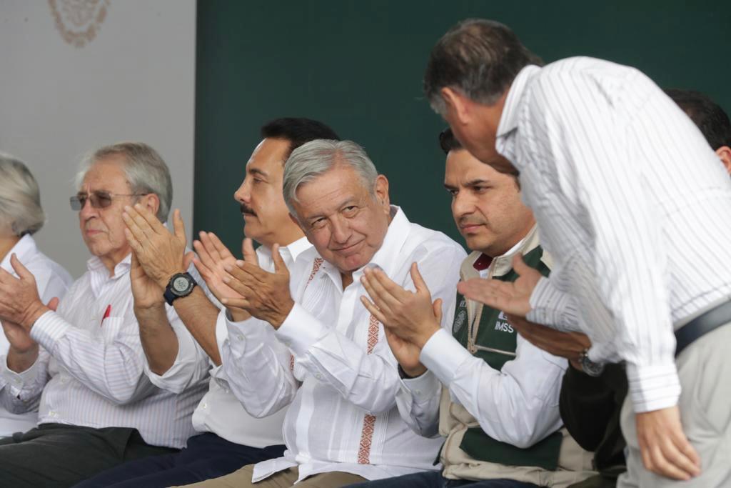 Dice AMLO que dinero del avión presidencial será para llevar agua a Hidalgo