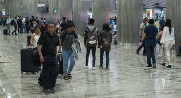 Gobierno de AMLO plantea aumentar casi al doble el impuesto a pasajeros de vuelos a otros países