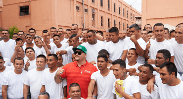Andy Ruiz celebra cumpleaños con torneo entre reclusos de Topo Chico