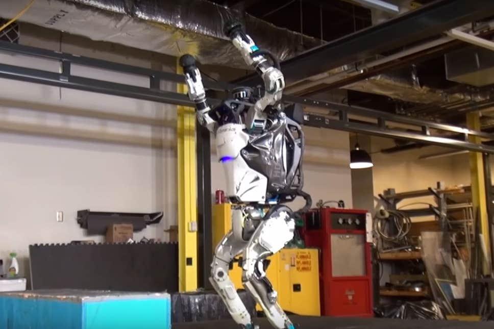 'Atlas', el robot de Boston Dynamics ahora es un experto en parkour