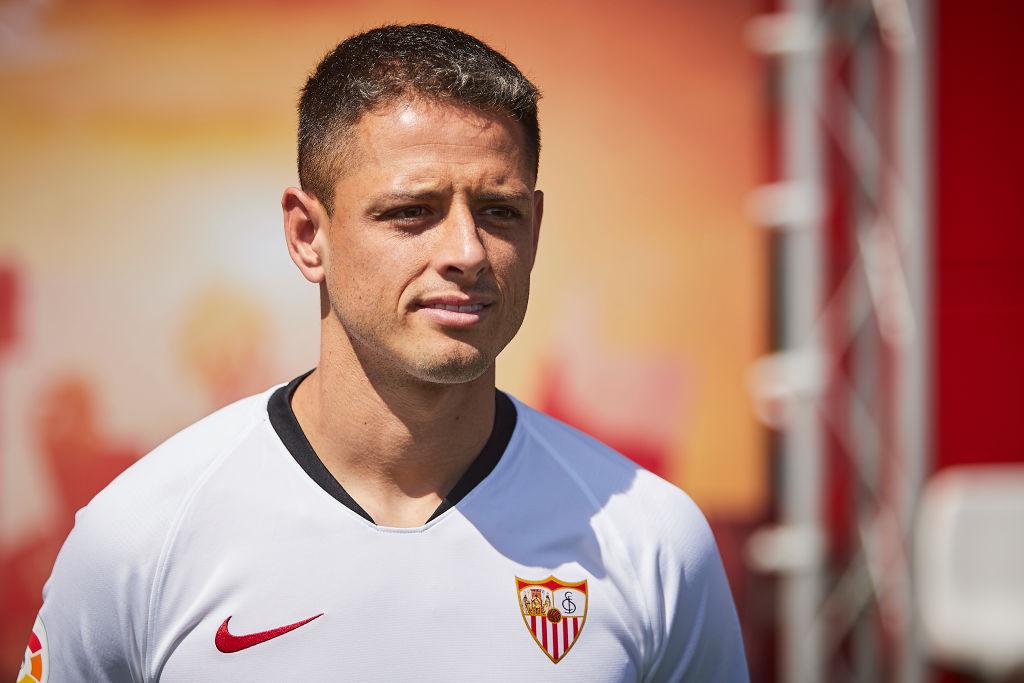 'Chicharito' reveló cómo lo contactó el Sevilla y lo difícil que será estar en el equipo