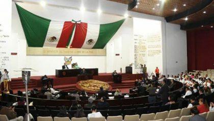 Qué 🐻: Le cortaron la luz al Congreso de Hidalgo por deudas y encontraron diablitos