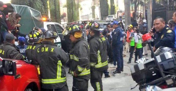 Una persona murió y otra resultó lesionada tras un derrumbe en alcaldía Álvaro Obregón