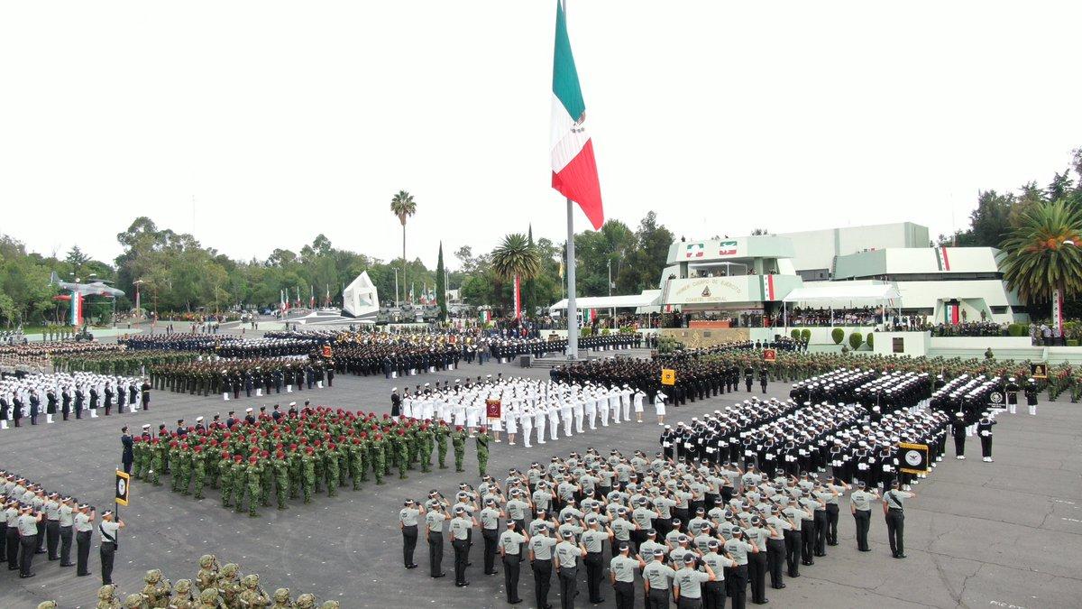 desfile-militar-4t-septiembre-mexico-04