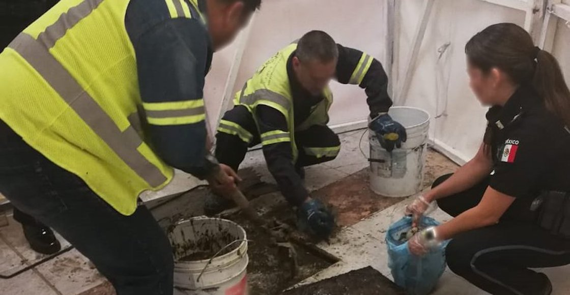 Nel, no es harina: Encuentran 67 paquetes de cocaína en el drenaje del AICM