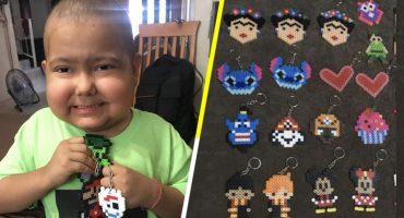 Él es Gian Carlos, el niño con cáncer que vende llaveritos para pagar su tratamiento