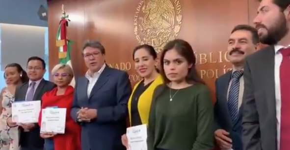 La joven del video de Monreal: Es su sobrina y gana 80 mil pesos en el Senado