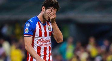 """Tena confesó que el 'Pollo' Briseño está """"triste y arrepentido"""" por lesionar a Giovani"""