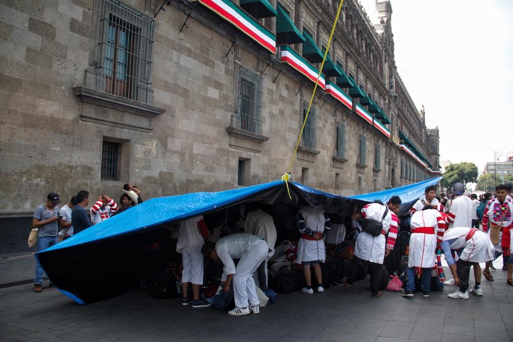 manifestación-palacio-nacional-indígenas