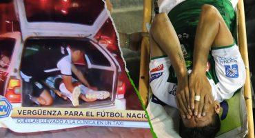 Jugador fracturado fue llevado al hospital en la cajuela de un taxi porque no había ambulancia