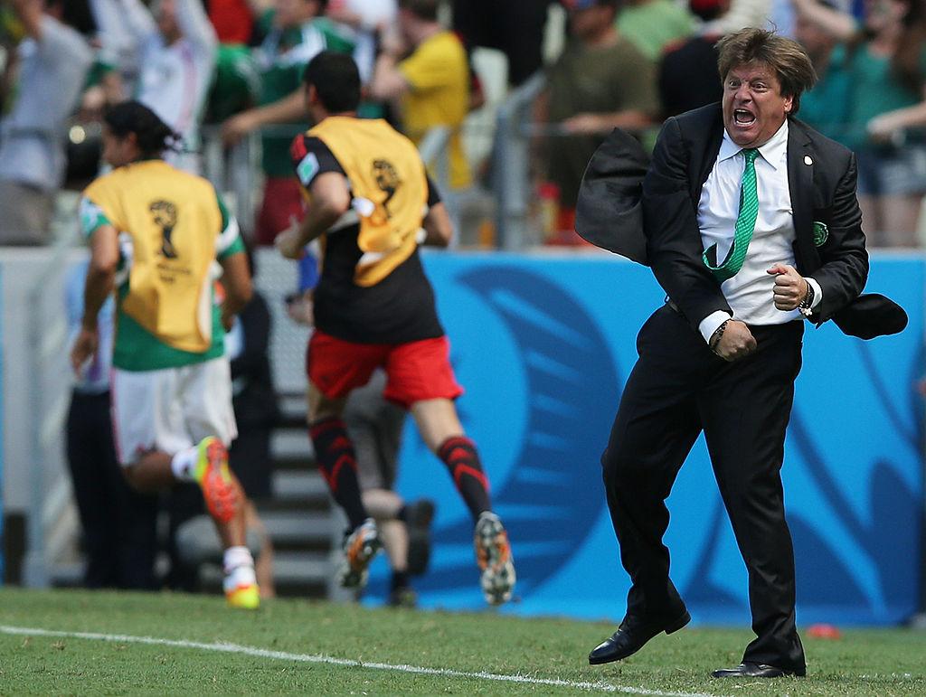 Decio de María lloró cuando despidió al 'Piojo' Herrera de la Selección Mexicana