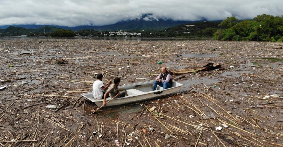 Tras paso de 'Fernand', presa La Boca amanece cubierta de basura en Nuevo León