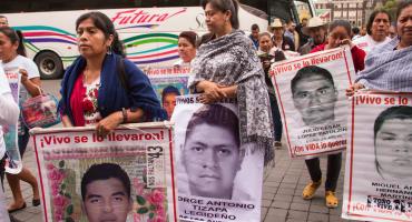 Va de nuevo: FGR y padres de los 43 acuerdan recomenzar la investigación de Ayotzinapa