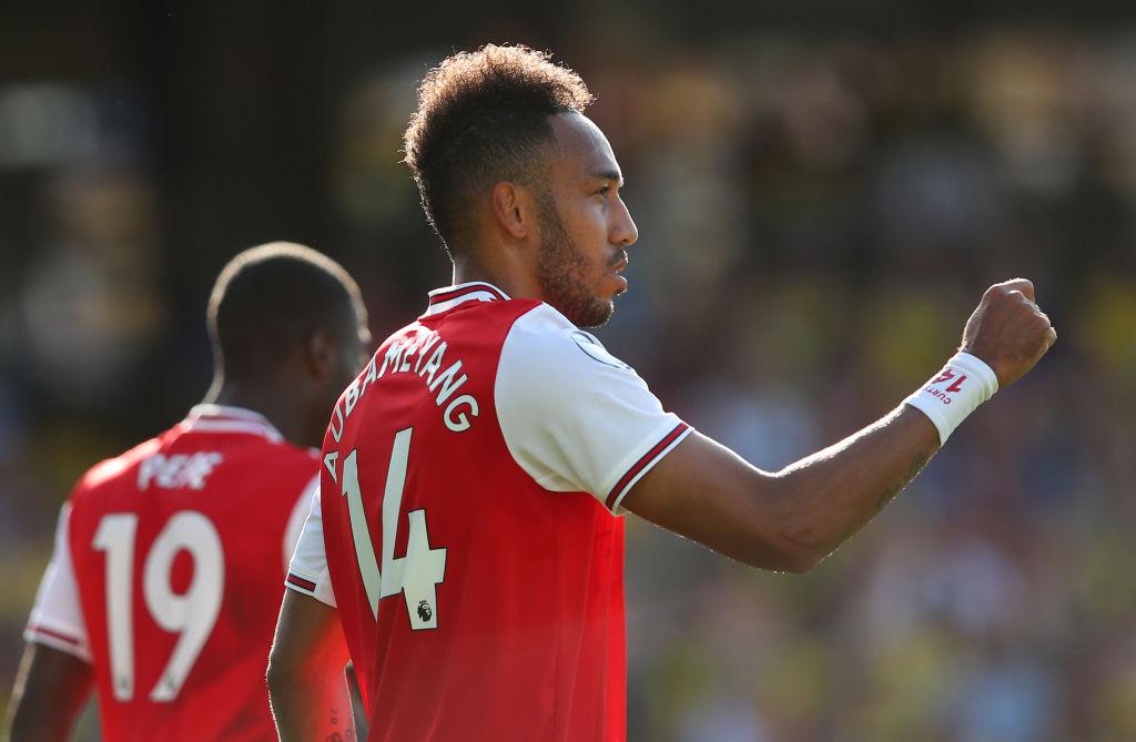 Doblete de Aubameyang doblegó al Watford y Arsenal sigue escalando posiciones