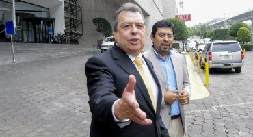 Exgobernador de Guerrero declaró ante la FGR por caso Ayotzinapa; negó vínculos con el crimen