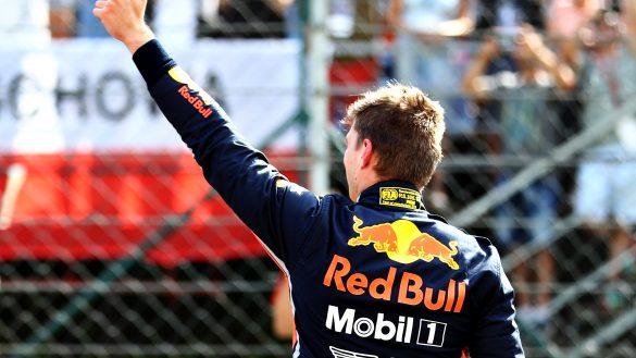 3._Max_Verstappen_celebrates_pole_position_in_Budapest mobil exxon escape rooms mexico gran premio f1