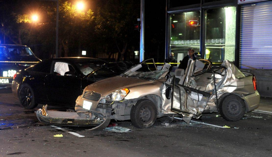 Conductor que aparentemente traía unas copitas de más, provoca un fatal accidente