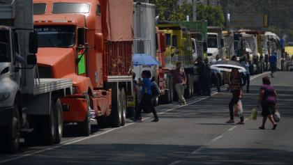 ¡Ojo! Transportistas anuncian paro nacional y bloqueos en las principales carreteras del país