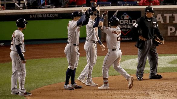 ¡Ya se empató! Astros aplastan a Nationals en el Juego 4 de la Serie Mundial
