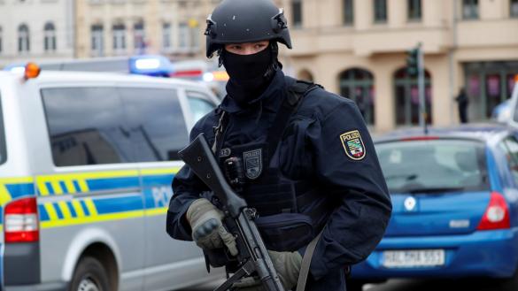Tiroteo en sinagoga de Alemania deja dos muertos; investigan terrorismo