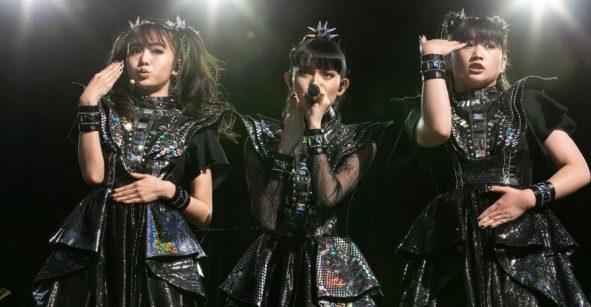 ¡Babymetal es la primera banda asiática en llegar a la cima de la Rock Albums chart!