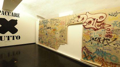 Banksy presenta su tienda en apoyo para refugiados llamada Gross Domestic Product