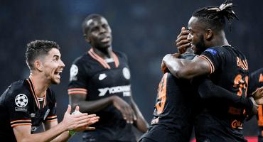 Edson 89', el VAR y Batshuayi: Chelsea le ganó al Ajax en Holanda