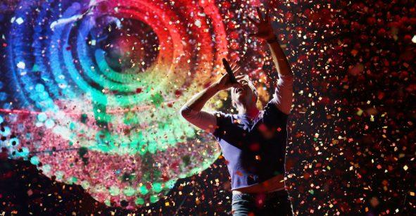 A la antiguita: Coldplay lanza el tracklist de 'Everyday Life' en periódicos de todo el mundo