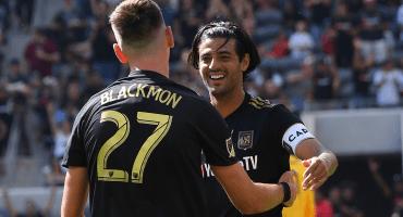¡Lo volvió a hacer! Ve el doblete de Carlos Vela al Galaxy en las semifinales de la MLS