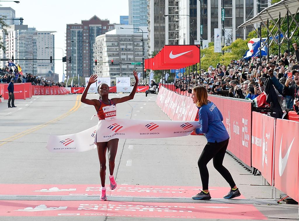 Keniana Brigid Kosgei rompió récord en maratón femenino