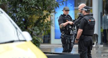 5 personas fueron apuñaladas en un centro comercial de Mánchester