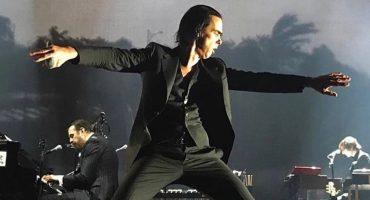 Humanismo de Nick Cave transciende la música con emotivo consejo a una adolescente sobre amor propio