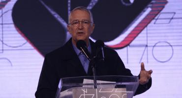 ¿Y ahora? Ricardo Salinas Pliego y Banco Azteca demandan a Proceso por