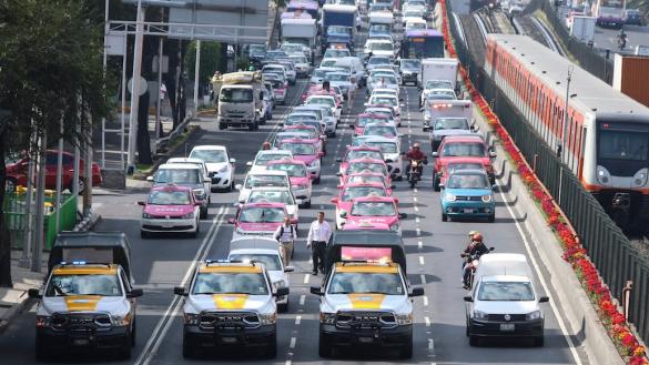 Taxistas-metro-CDMX-usuarios