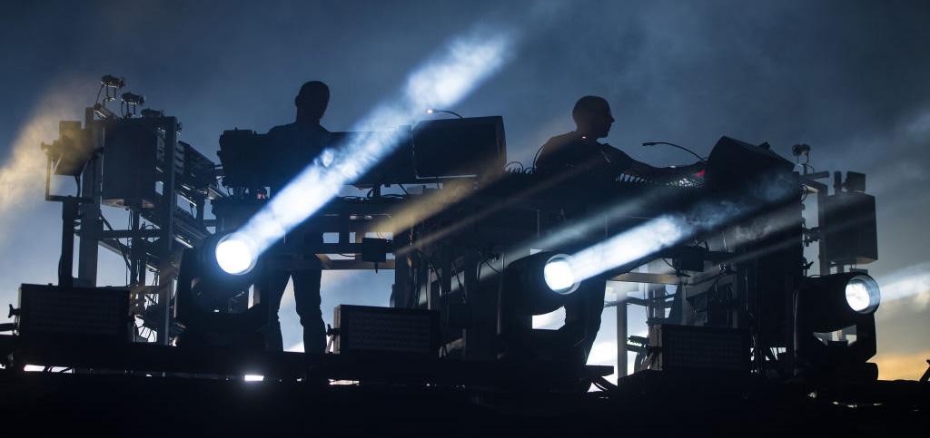 The Chemical Brothers preparan reedición de 'Surrender' y lanzan nuevos remixes