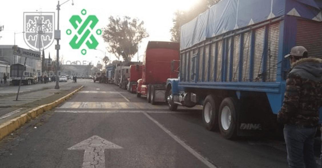 Transportistas llegan a la Cámara de Diputados; Segob recibirá sus demandas