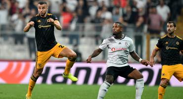 Raúl no pudo meterle gol a Karius y los Wolves siguen sin ganar en la Europa League