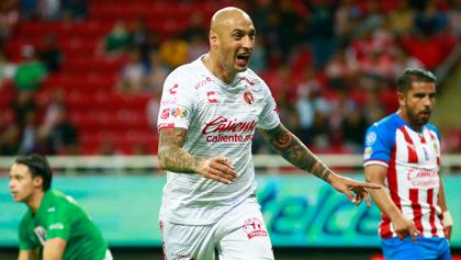 El que perdona, pierde: Xolos venció y 'eliminó' a Chivas