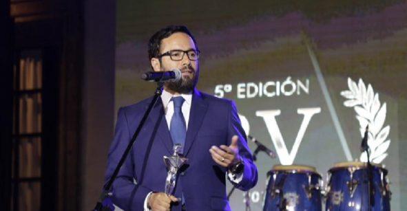 """No lo sé, Rick: Víctor Romo, titular de Miguel Hidalgo, es reconocido como """"Alcalde del Año"""""""