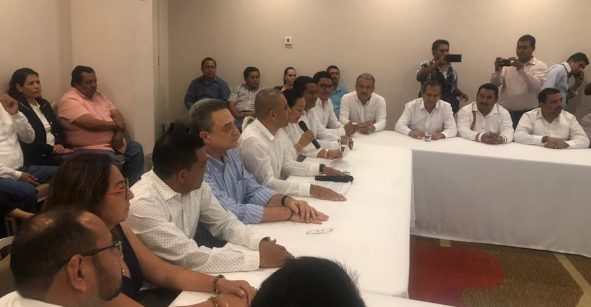 ¡Fuga! Más de 20 alcaldes de Chiapas dejan sus partidos y se unen a Morena