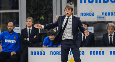 """Conte calienta el Inter-Juventus al llamar """"deficientes, estúpidos"""" a aficionados de la Vecchia"""