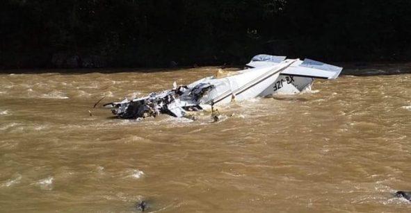 Cae avioneta en Madero, Michoacán; se reportan cinco muertos