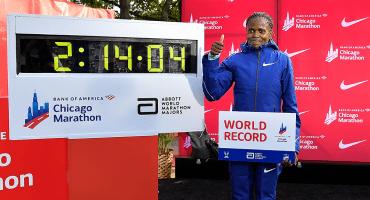 La keniana Brigid Kosgei rompe el récord mundial de maratón femenil en Chicago