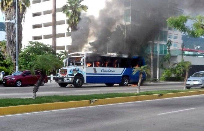 Por ataques, rutas de transporte público en Acapulco suspenden temporalmente el servicio