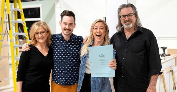 No estamos llorando: ¡El elenco principal de 'Lizzie McGuire volverá para la serie de Disney+!