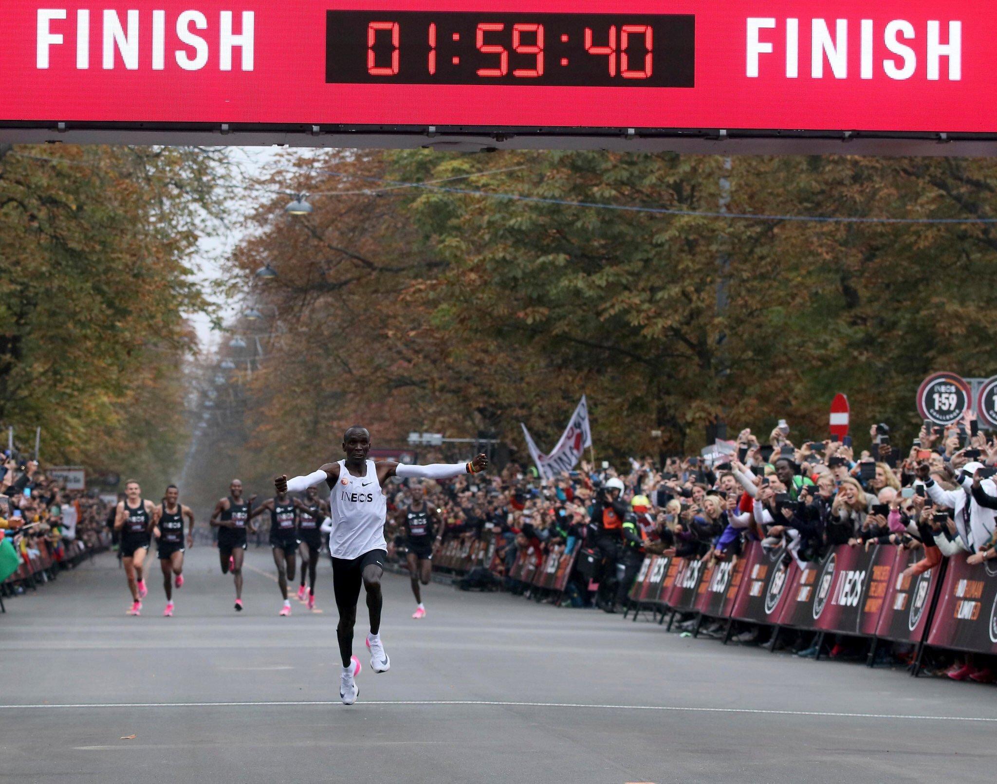 Eliud Kipchoge, leyenda: recorre el maratón en menos de dos horas
