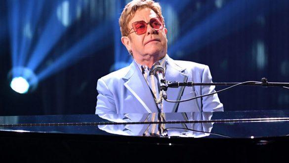 Elton John pospone presentación en Indianapolis por problemas de salud